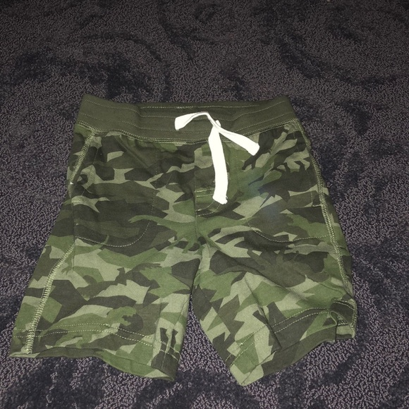 Baby Gap Toddler Shorts Size 18-24M Cotton Green Military Camo Dinosaurs NWT